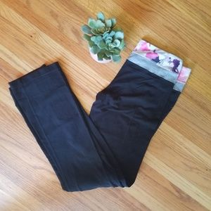 Lululemon Reversible Boot Cut Groove Pant - 8